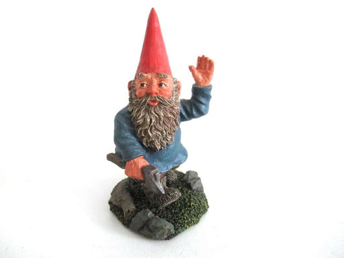 UpperDutch:Gnome,Classic Gnomes 'Peter' after a design by Rien Poortvliet Gnome with Axe.
