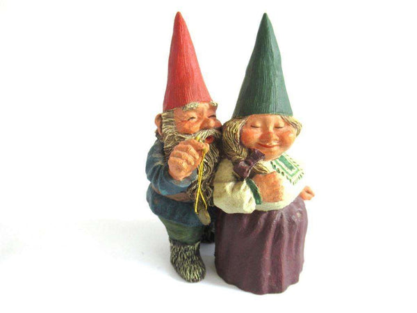 UpperDutch:Gnome,Classic Gnomes 'Richard and Rosemary' gnome figurine after a design by Rien Poortvliet.