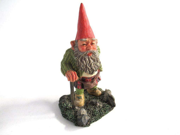 UpperDutch:Gnome,Classic Gnomes 'Scott' Gnome with Kilt after a design by Rien Poortvliet, scottish gnome.