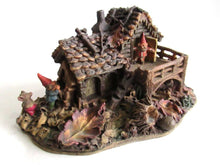 UpperDutch:,Classic Gnomes Villages 'Gnome-house and mouse' after a design by Rien Poortvliet Gnome figurine.