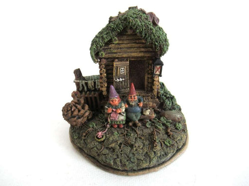 UpperDutch:Gnome,Classic Gnomes Villages 'Gnome Sweet Home' Gnome figurine after a design by Rien Poortvliet.