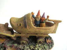 UpperDutch:Gnome,Classic Gnomes Villages 'Sailing Away' after a design by Rien Poortvliet.