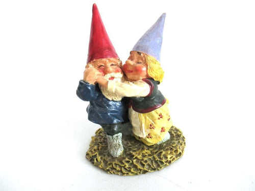 UpperDutch:Gnome,Dancing Gnome couple after a design by Rien Poortvliet