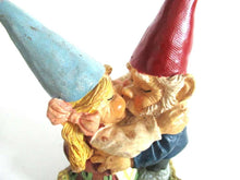 UpperDutch:Gnome,Dancing Gnome couple, kissing gnome couple. David the gnome after a design by Rien Poortvliet.