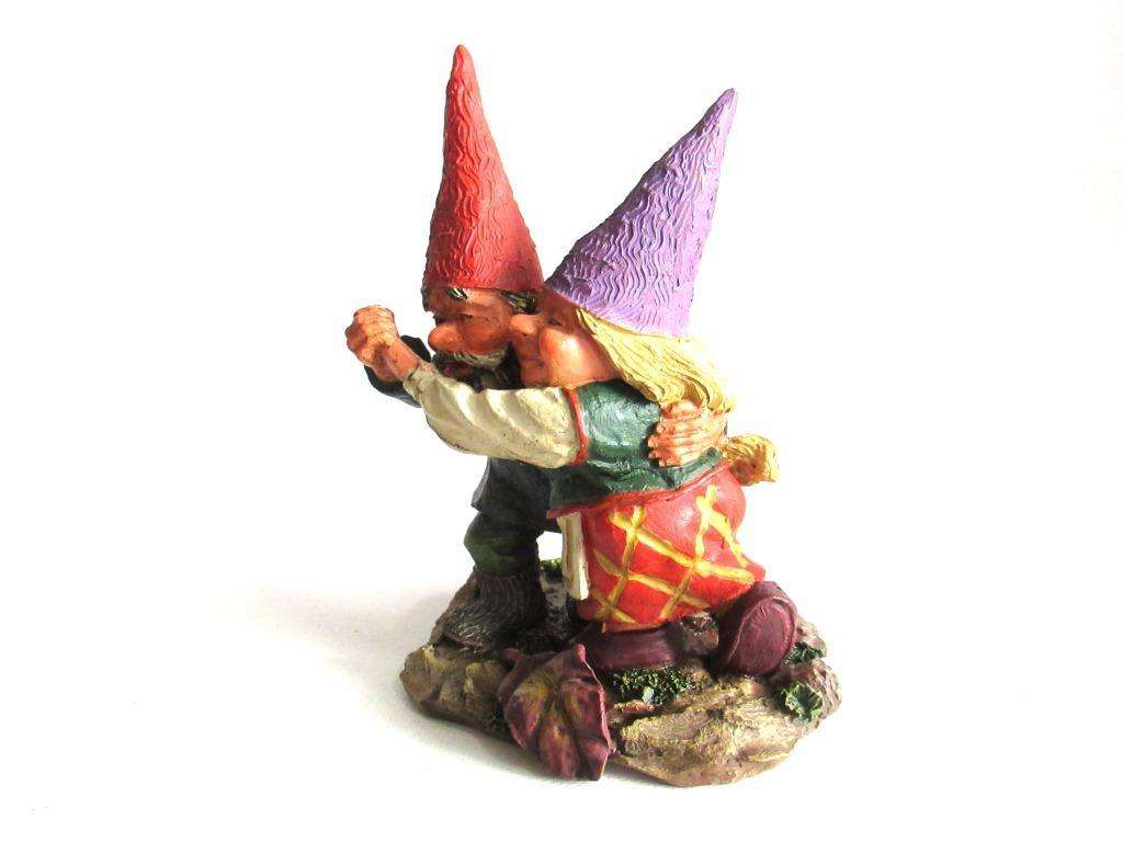 Fryda and Fred Dancing\' Rien Poortvliet gnome firgurine. Dancing ...