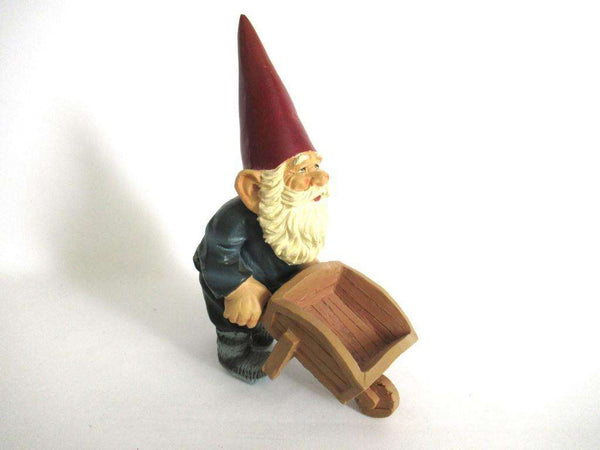 UpperDutch:Gnome,Garden Gnome with wheelbarrow after a design by Rien Poortvliet, David the Gnome.