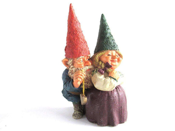 UpperDutch:Gnome,Gnome couple 'Richard and Rosemary' after a design by Rien Poortvliet.