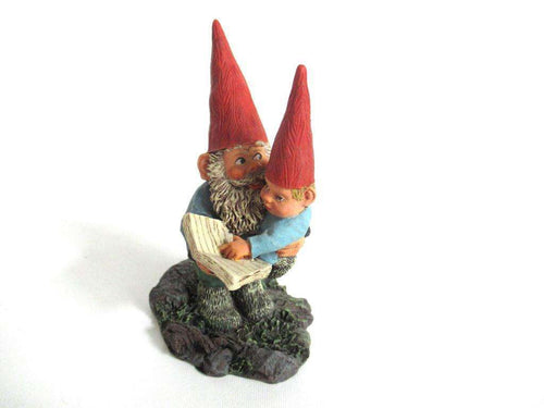 UpperDutch:Gnome,Gnome figurine 'Gerard with Caroline', designed by Rien Poortvliet, Classic Gnomes serie 2001