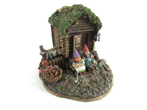 UpperDutch:Gnome,Gnome House, Classic Gnomes Villages 'Gnome Sweet Home' Gnome figurine after a design by Rien Poortvliet.