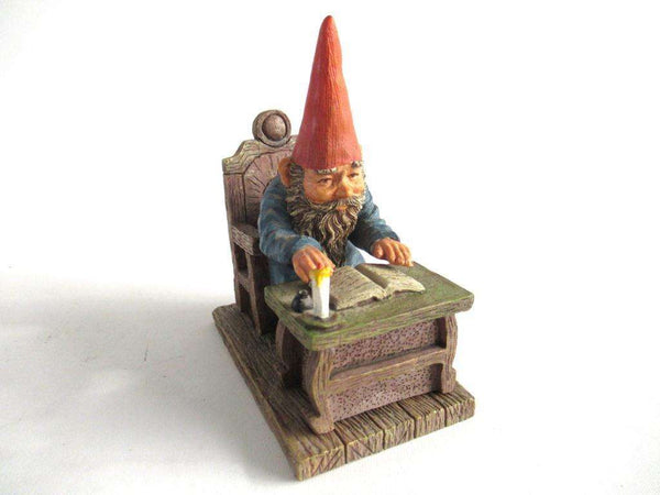 UpperDutch:Gnome,Gnome reading by candlelight, Classic Gnomes 'Rien' Gnome figurine after a design by Rien Poortvliet.