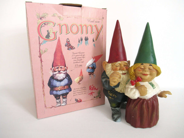 UpperDutch:Gnome,Gnome statue 'Dave & Iris getting married' 9 INCH Gnomy, after a design by Rien Poortvliet.