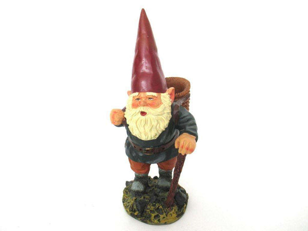 UpperDutch:Gnome,Gnome statue with basket, Gnome after a design by Rien Poortvliet, David the Gnome.