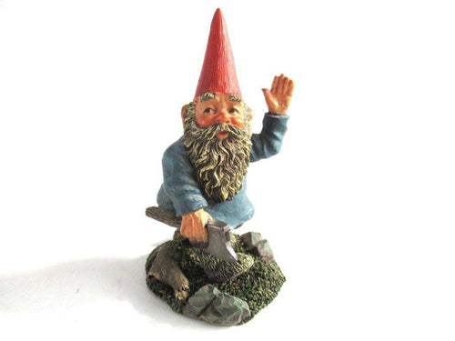 UpperDutch:Gnome,Gnome with Axe, Classic Gnomes 'Peter' after a design by Rien Poortvliet.
