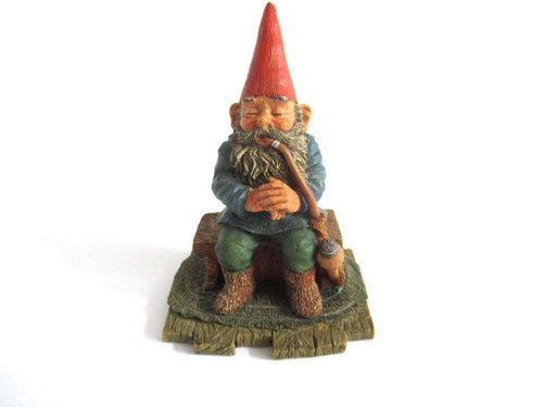 UpperDutch:Gnome,Gnome with pipe 'Grandfather'. Part of the 2001 Classic Gnomes & Friends series designed by Rien Poortvliet