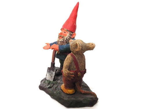 UpperDutch:Gnome,Gnome with shovel and mouse figurine. 'Al with Mouse' Part of the 2001 Classic Gnomes series designed by Rien Poortvliet. Number 700111