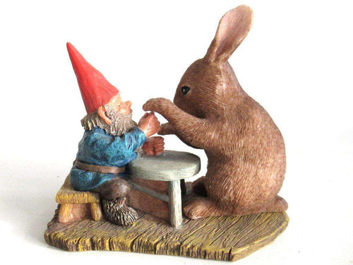 UpperDutch:Gnome,'Ollekebolleke' Rabbit playing game with David the gnome. Designed by Rien Poortvliet, produced by AAAAAAA International Co. Ltd.