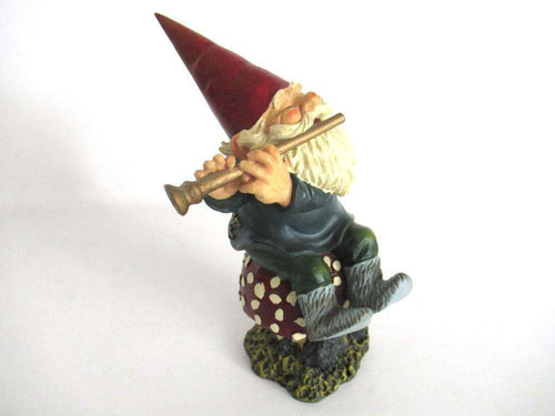 UpperDutch:Gnome,Rien Poortvliet Garden Gnome, Amadeus, Klaus Wickl. Playing the flute on a mushroom, David the Gnome.