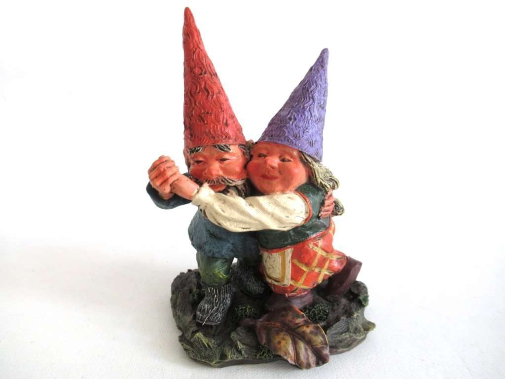 UpperDutch:Gnome,Rien Poortvliet gnome firgurine, Dancing Gnome couple. Classic Gnomes series 'Fryda and Fred Dancing'. AAAAAAA International Co. Ltd