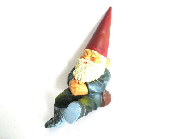 UpperDutch:Gnome,Sleeping Gnome after a design by Rien Poortvliet, David the Gnome.