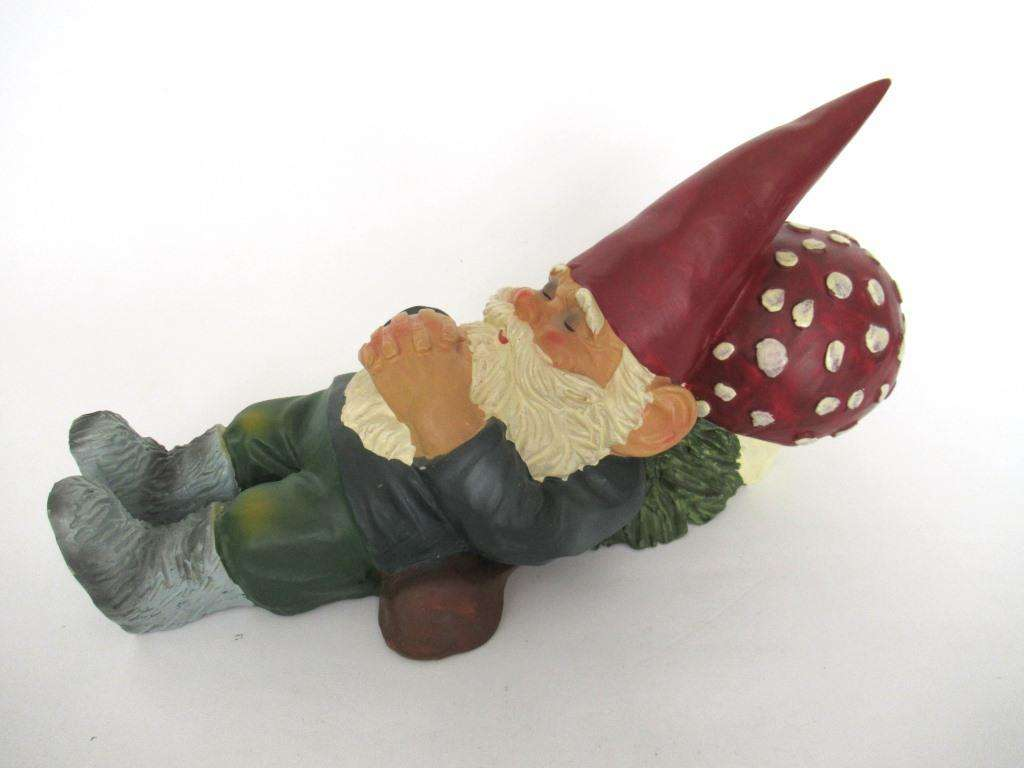 Sleeping Gnome after a design by Rien Poortvliet #772G42DK5 David the Gnome