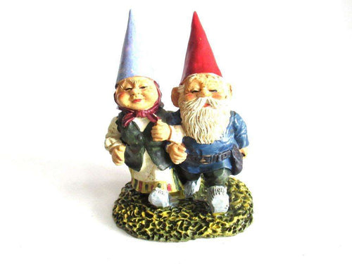 UpperDutch:Gnome,Strolling Gnome couple, Walking. David the gnome, Klaus wickl, Gnome figurine designed by Rien Poortvliet.