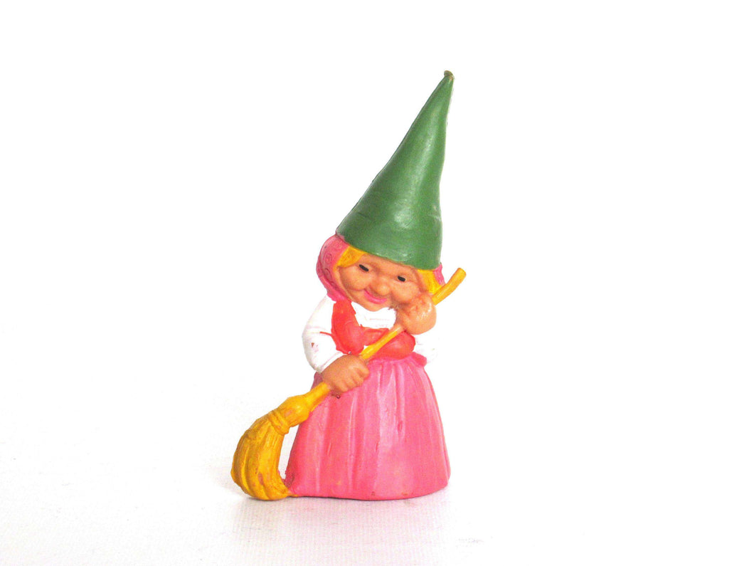 UpperDutch:,Sweeping Gnome figurine pink dress, Gnome after a design by Rien Poortvliet, Brb Gnome with broom, Lisa the Gnome.