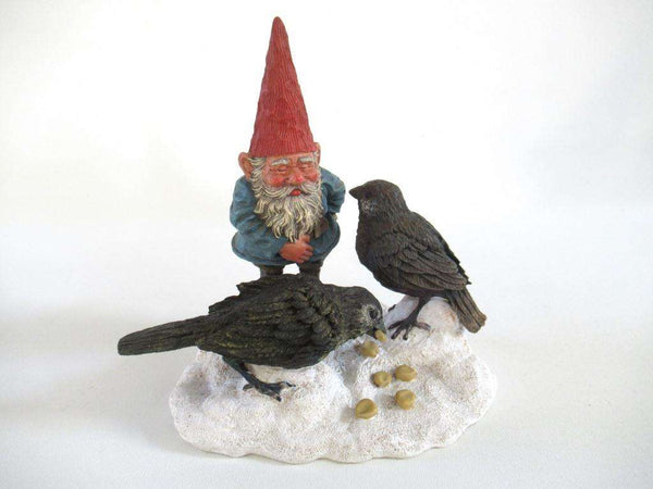 UpperDutch:Gnome,'Thomas & Birds' Classic Gnomes figurine. David the gnome feeding birds in the snow. Designed by Rien Poortvliet.