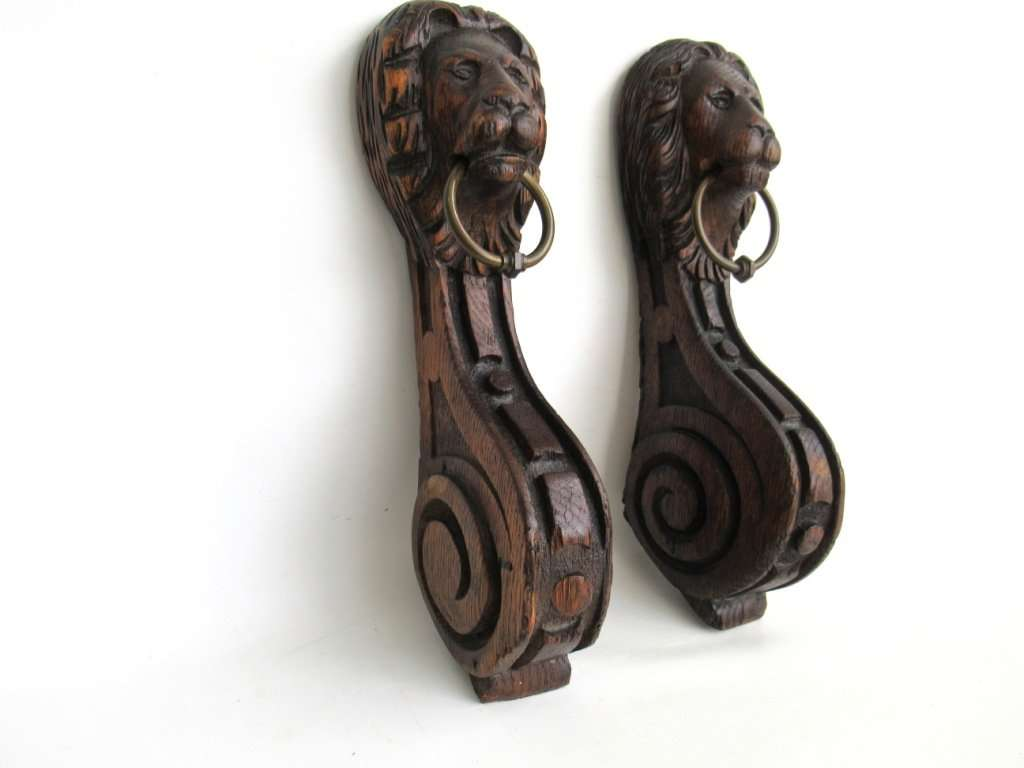 UpperDutch:Home and Decor,Antique Set of 2 Wooden Corbels, Carved Wood, Lion Head, Furniture, Ornament, restoration.
