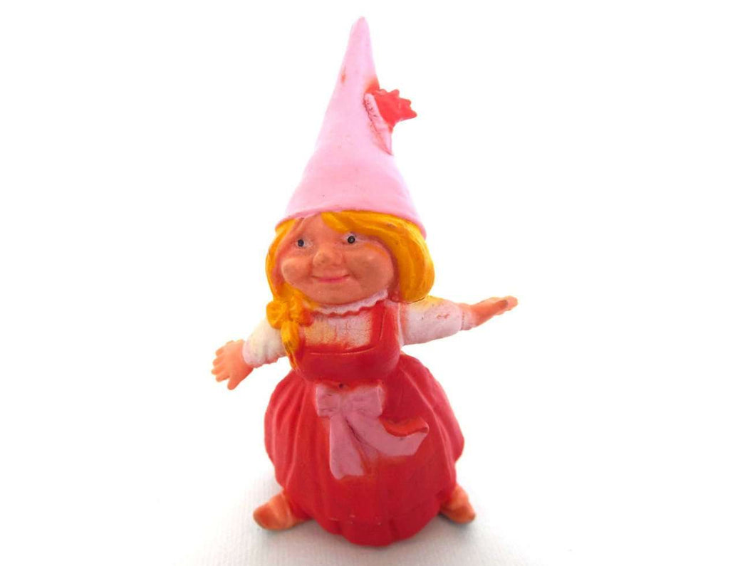 UpperDutch:Gnomes,1 (ONE) Gnome figurine, Gnome after a design by Rien Poortvliet, Brb Gnome ice skating, Lisa the Gnome.