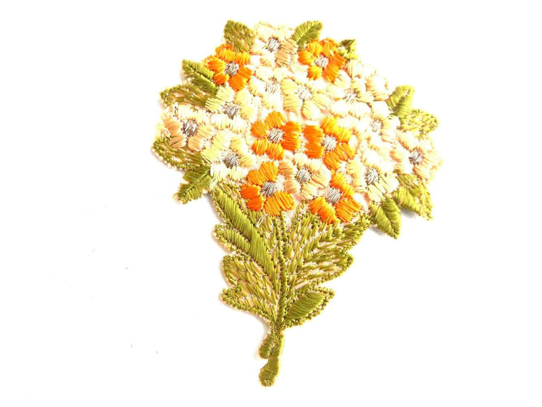 UpperDutch:Sewing Supplies,Flower applique, Vintage embroidered applique. Vintage floral patch, sewing supply.