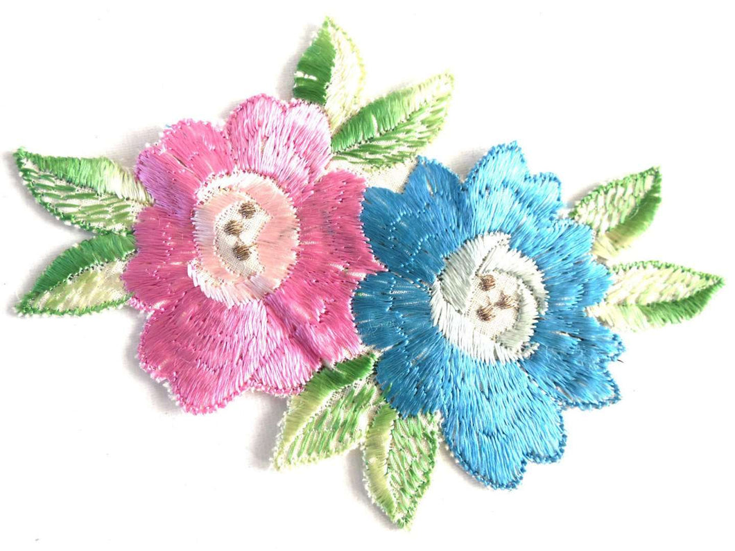 UpperDutch:Sewing Supplies,Flower Patch, Applique, Flower applique, 1930s vintage embroidered applique. Vintage floral patch, sewing supply.