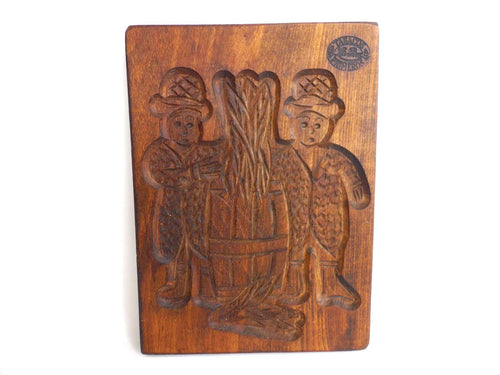 UpperDutch:Cookie Mold,Wooden cookie mold with Tobacco Scenes. Wooden Cookie Mold. Tabacos Primeros, La Paz. Speculaas plank.