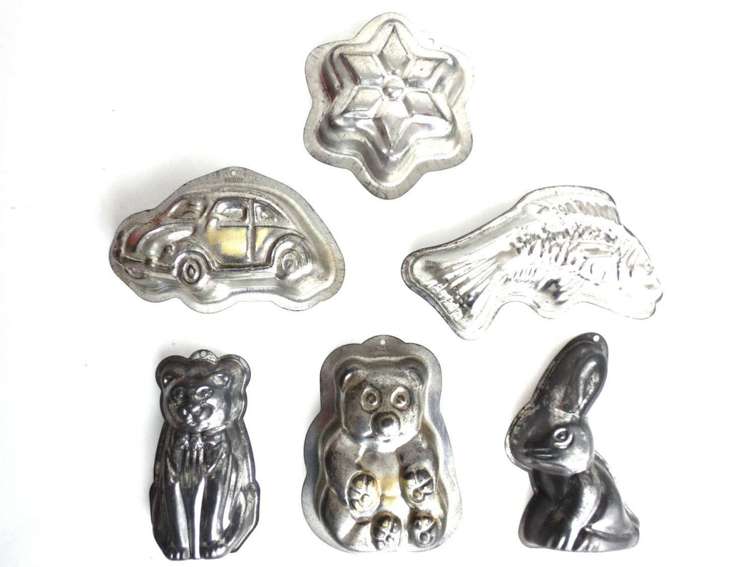 UpperDutch:Home and Decor,Set of 5 different Vintage metal Molds, Vintage Jelly Mold, Pudding mold. Kitchen Decor, Car, Bunny, Fish, bear, Cat.