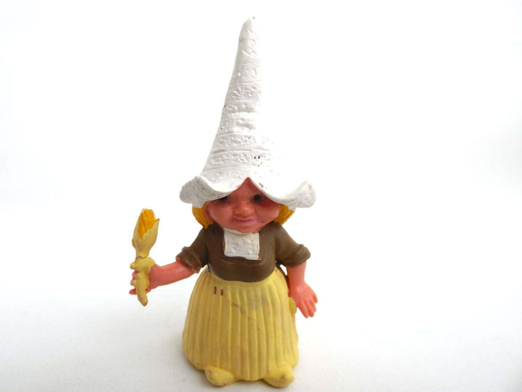 UpperDutch:Gnomes,1 (ONE) Gnome figurine, Gnome after a design by Rien Poortvliet, Brb Gnome, Dutch farmer wheat Gnome traditional.