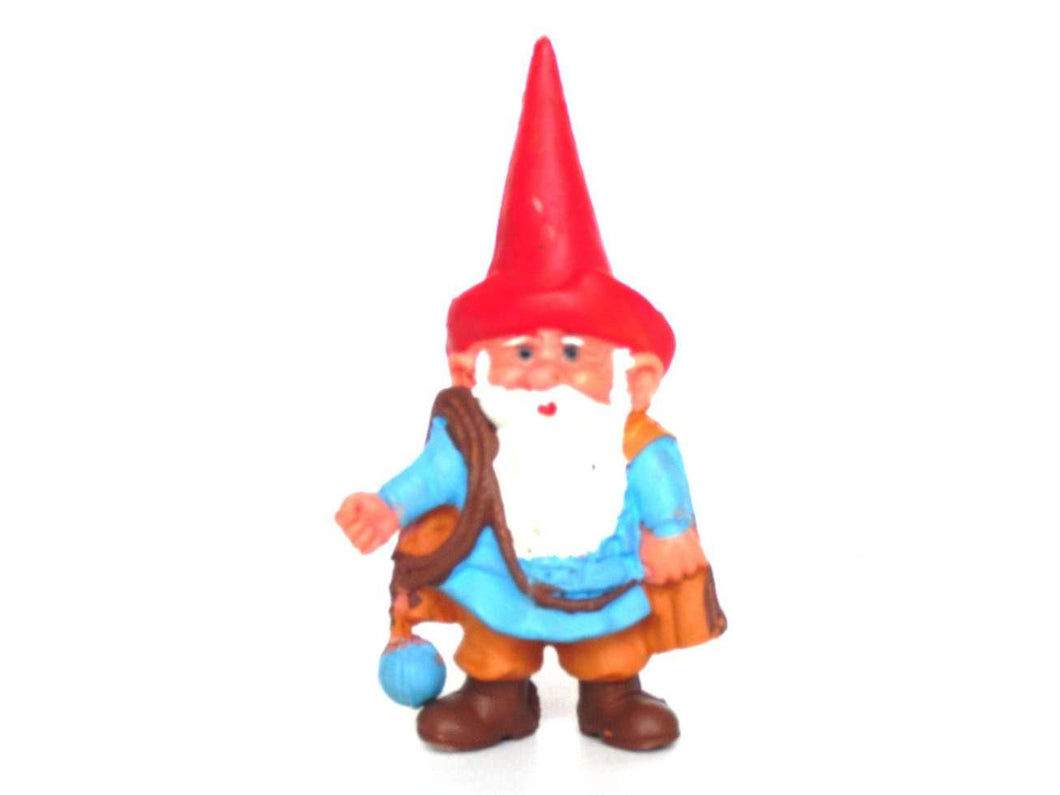 UpperDutch:Gnomes,1 (ONE) Medieval David the Gnome figurine after a design by Rien Poortvliet. Middle ages BRB / Startoys figurines. david el gnomo