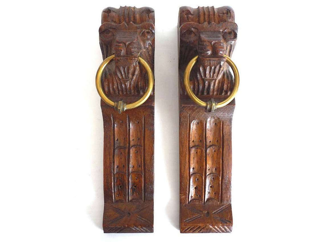 UpperDutch:Home and Decor,Corbels, Antique Set of 2 Wooden Corbels, Carved Wood, Corbels, Lion Head, Furniture, Ornament, restoration.