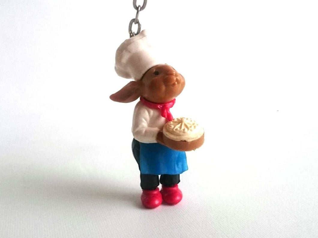 UpperDutch:Land of Magiful,Bunny Key chain / Baker bunny figurine / sixties / 60s keychain / large charm / bag charm / cook gift / cooking gift / cake gift