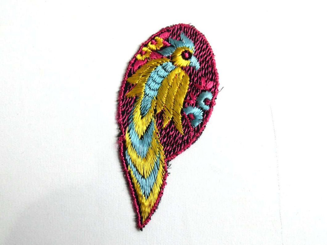 UpperDutch:Sewing Supplies,Bird Applique / 1930s Vintage Embroidered Bird  applique / application / patch. Vintage patch, sewing supply.