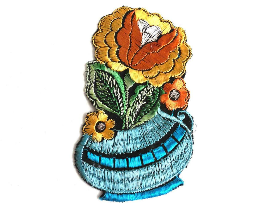UpperDutch:Sewing Supplies,Authentic Collectible Flower Applique, flower basket applique, 1930s embroidered applique. Vintage floral patch, sewing supply.