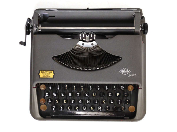 UpperDutch:Typewriter,Working Typewriter 1950's Halberg Junior. QWERTY keyboard. 1952, rare typewriter. Portable Halberg typewriter.