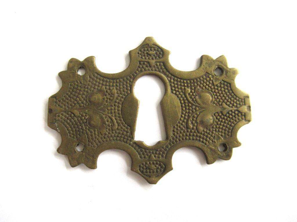 UpperDutch:Keyhole cover,Keyhole cover, Vintage Brass Escutcheon
