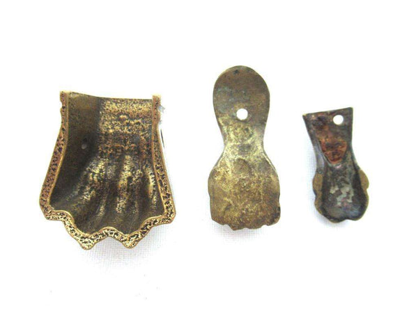 UpperDutch:Lion paw,Set 3 pcs Small Brass Lion Paws, Antique Solid Brass Claws / Feet.