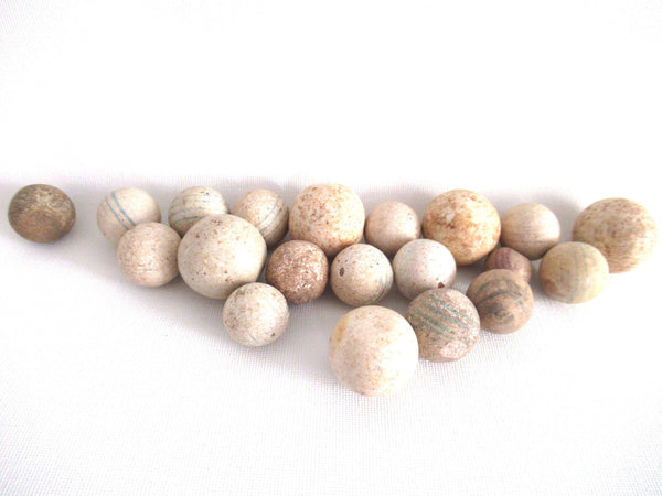 UpperDutch:Marbles,Set of 20 Antique Marbles.
