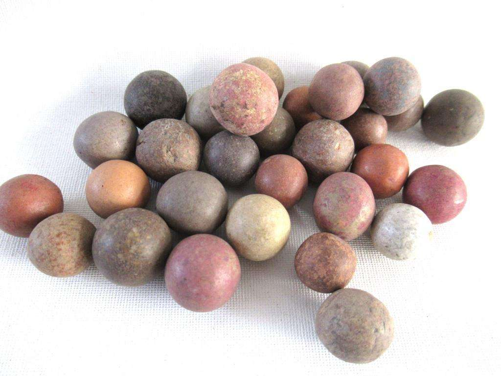 UpperDutch:Marbles,Set of 30 Antique Clay Marbles