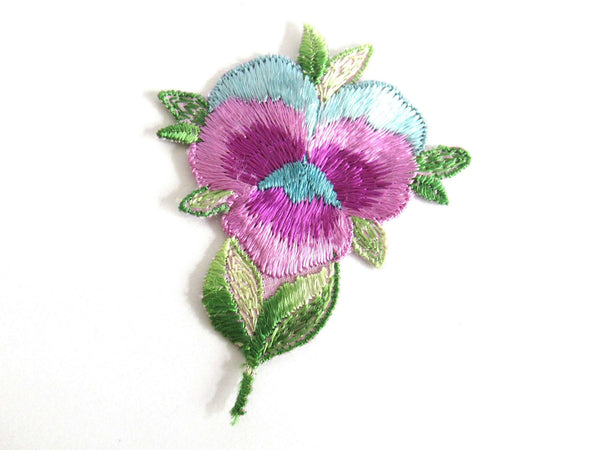 UpperDutch:Sewing Supplies,1930s Flower applique, Vintage embroidered applique. Vintage floral patch, antique applique, crazy quilt, silk patch.