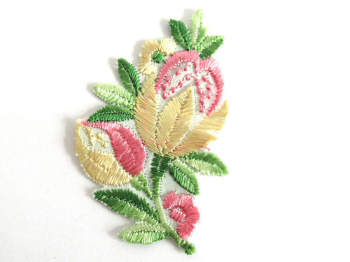 UpperDutch:Sewing Supplies,Flower Patch, Flower applique, 1930s vintage embroidered applique. Vintage floral patch, sewing supply.