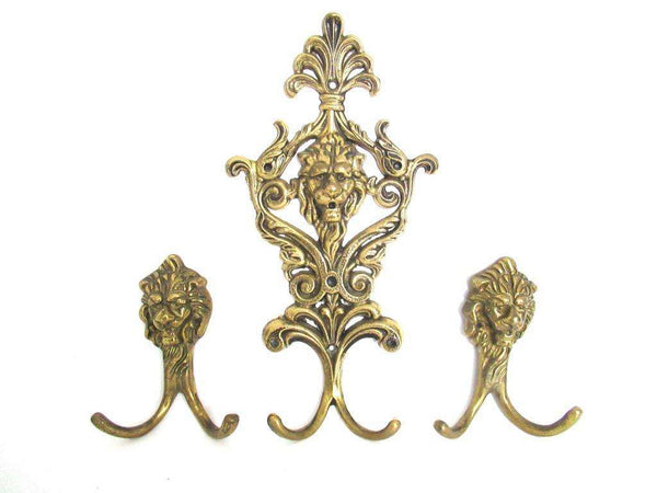UpperDutch:Wall hook,Antique Brass Lion Head Coat hooks, Set of 3 Wall hooks.