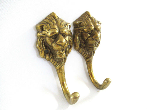 UpperDutch:Wall hook,Set of 2 Antique Brass Lion Head Coat hooks Wall hooks, kitchen / towel hooks.