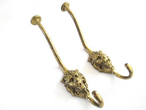 UpperDutch:Wall hook,Set of 2 pcs Lion hooks Solid Brass Lion Head Wall hook - Coat hooks. Decorative animal storage solution, coat hangers.