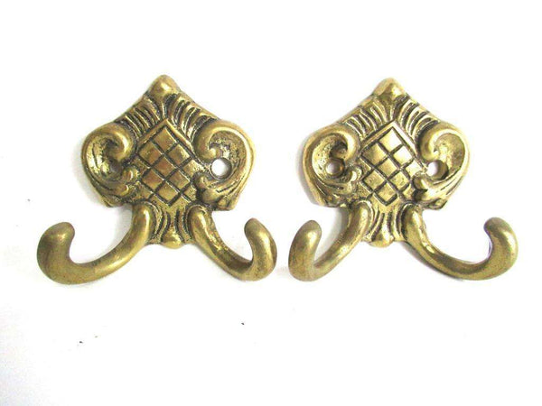 UpperDutch:Wall hook,Set of 2 Small Wall hooks, Antique Coat hooks, Towel hook, Kitchen hook, Solid brass.